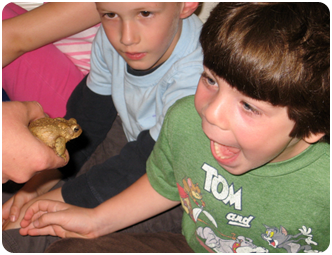 boy-with-frog